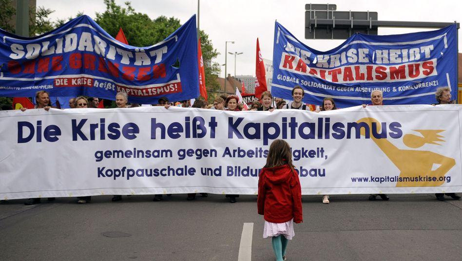Proteste gegen das Sparpaket: Kluft zwischen Arm und Reich in Deutschland wächst