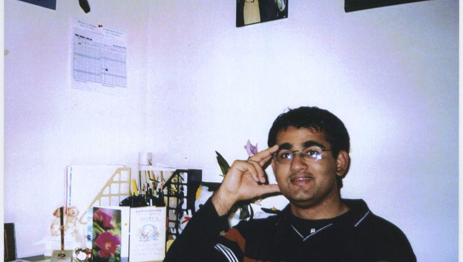Terrorverdächtiger Khan (Archivbild von 1999): Deal bringt ihm womöglich die Freiheit