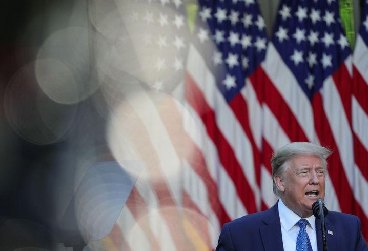 """""""Ich bin der Präsident von Recht und Ordnung"""": Trump im Rosengarten"""