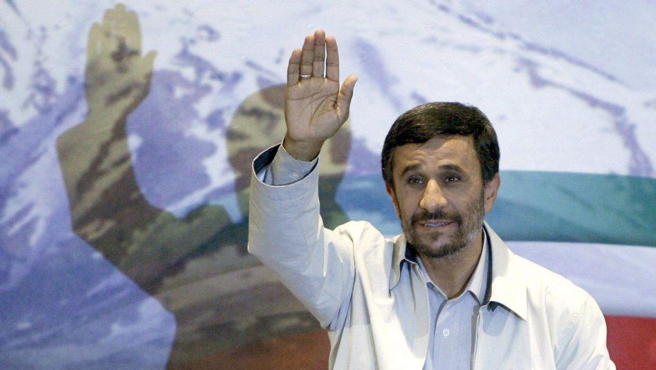 Präsident Mahmud Ahmadinedschad: Der Westen fordert Transparenz