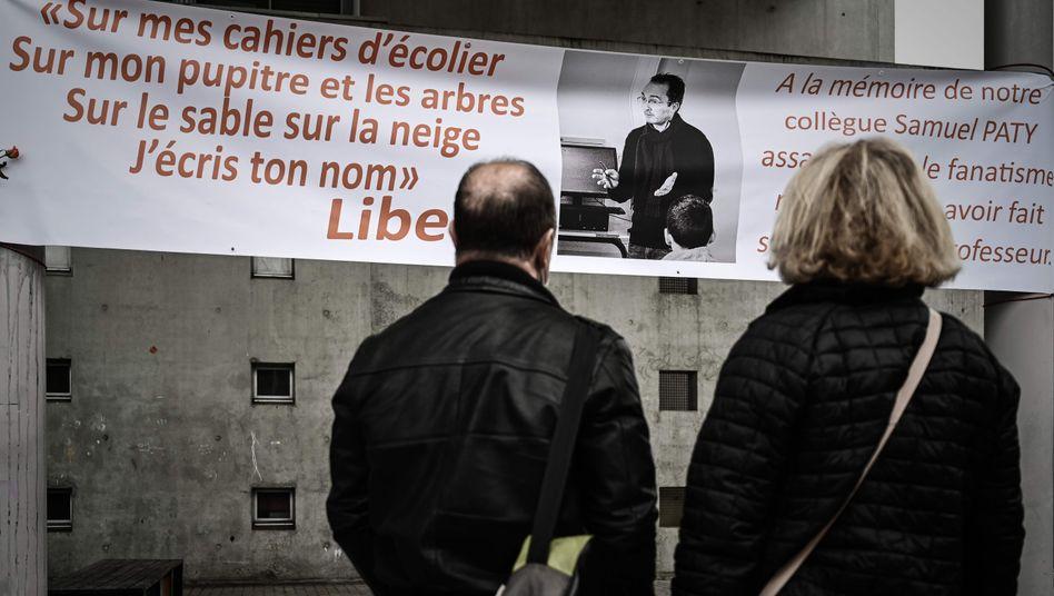 Erinnerung an den ermordeten französischen Geschichtslehrer: Paty war vor seinem Tod online massiv bedroht worden (Archivbild)