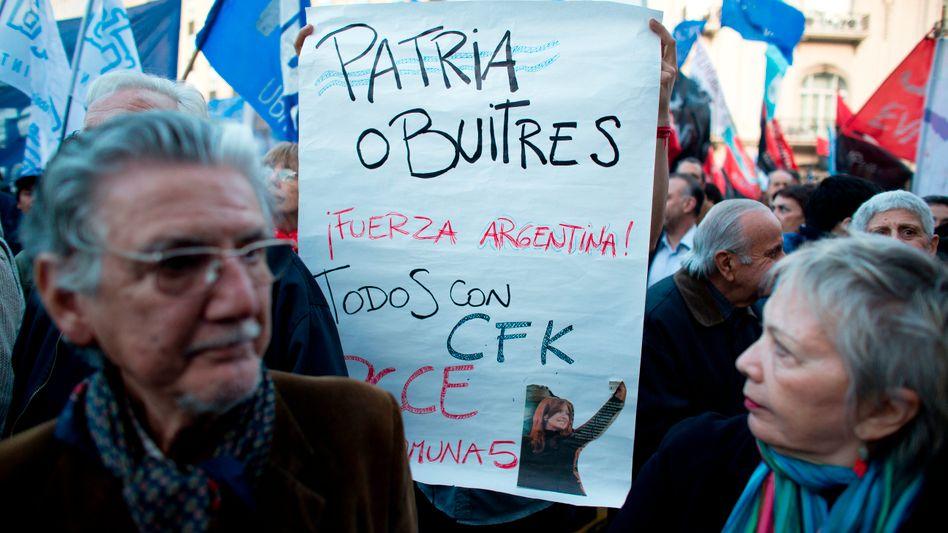 "Demonstranten in Buenos Aires: ""Vaterland oder Geier"""