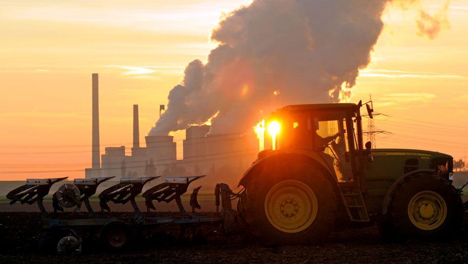 Braunkohlekraftwerk Neurath (Archiv): CO2-Ausstoß um 40 Prozent reduzieren