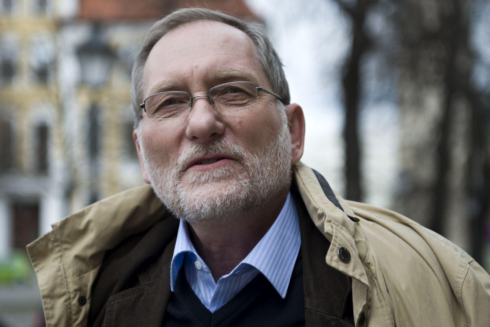 NICHT VERWENDEN Gerhard Ruden