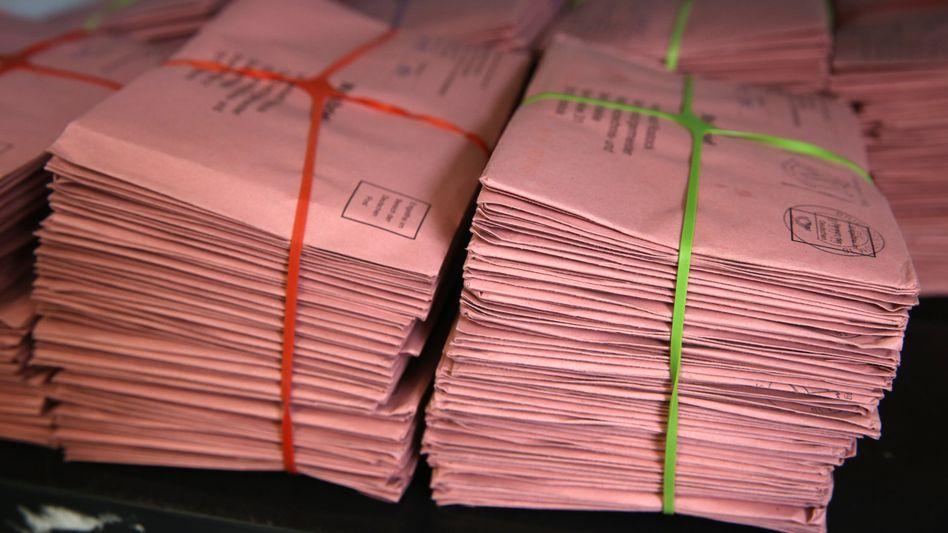 Diese Stimmen kamen rechtzeitig an: Wahlbriefe Mitte September in der Briefwahlstelle in Rostock