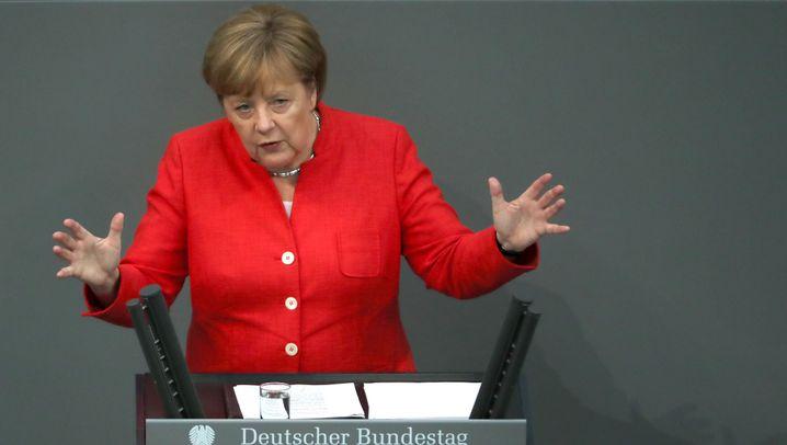 """Generaldebatte im Bundestag: """"Im Bundeskanzleramt biegen die sich vor Lachen, Herr Seehofer"""""""