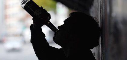 """Jugendlicher beim Alkoholkonsum: """"Der Tote wurde mit mehr als sieben Promille eingeliefert"""""""