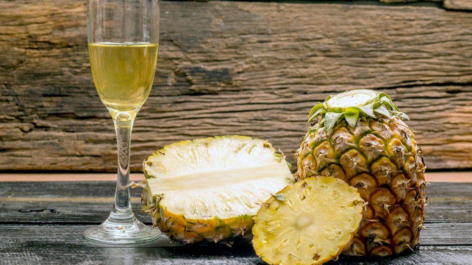 Ananas und Champagner