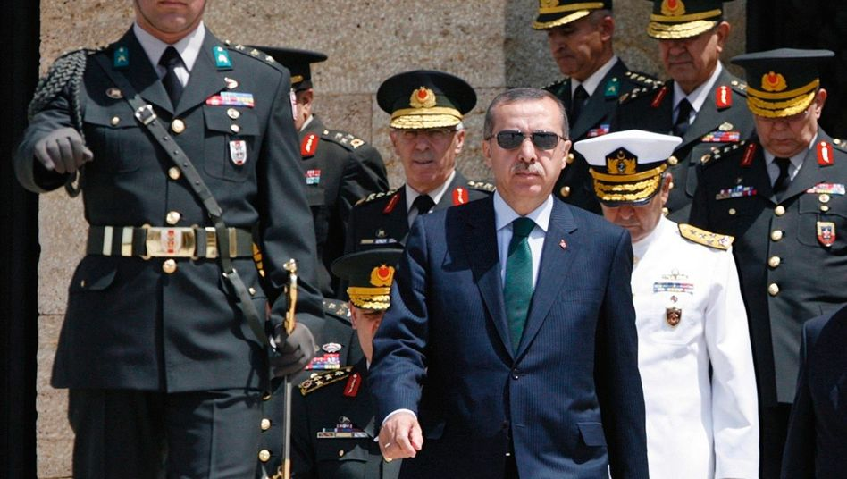 Premierminister Erdogan: »Er hat noch nie ein realistisches Weltbild gehabt«