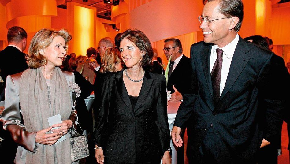 Top-Manager Middelhoff mit Ehefrau Cornelie (M.) und Quelle-Erbin Madeleine Schickedanz 2006: »Mutige Entscheidungen«?