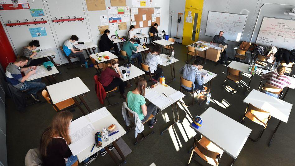 Schüler bei einer Prüfung
