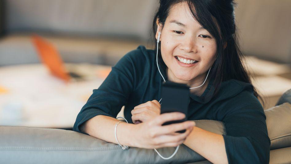 Vor allem für junge, technikaffine Menschen ist eine Videobotschaft eine Alternative zur klassischen Bewerbung