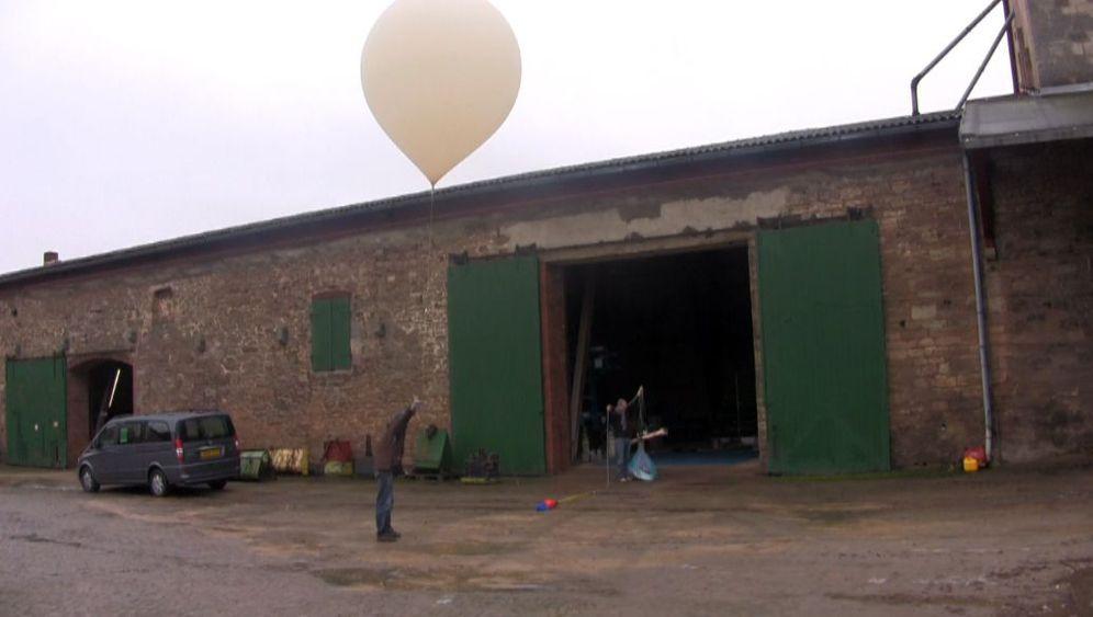 Papierflugzeuge: Segelnd durch die Stratosphäre