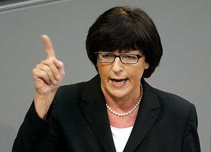 Ministerin Schmidt: Keine Kontrolle