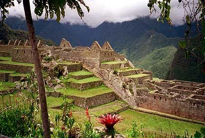 Machu Picchu: Auf einer 20 Hektar großen Fläche Tempel, Paläste und Anlagen zur Sonnenbeobachtung