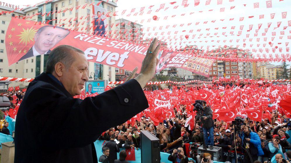 Photo Gallery: Erdogan's Risky Referendum