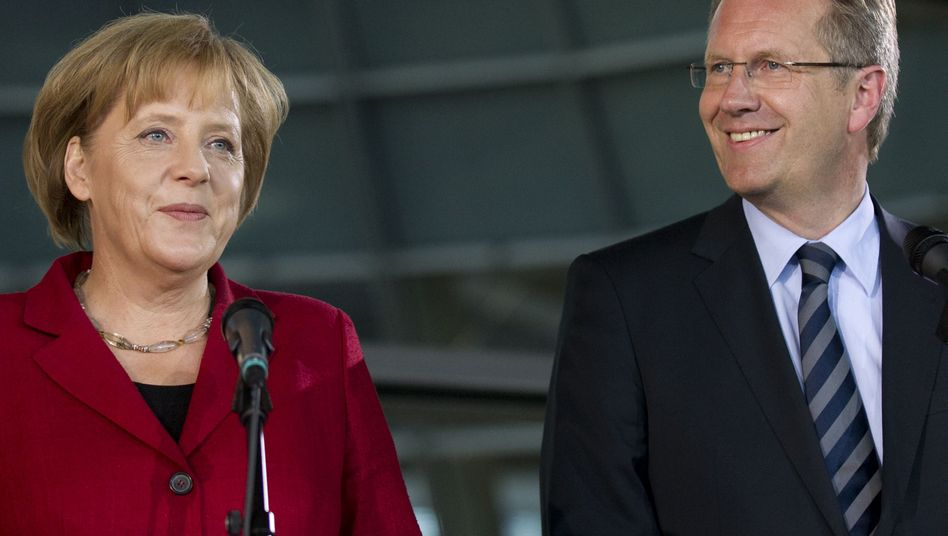 """Kanzlerin Merkel mit Kandidat Wulff: """"Christian Wer?"""""""