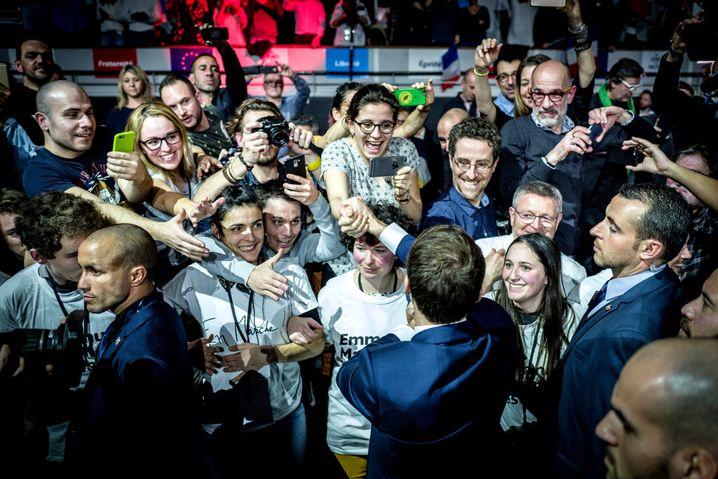 Hoffnungsträger Macron mit Anhängern bei einer Wahlkampfveranstaltung in Lyon im Januar 2017