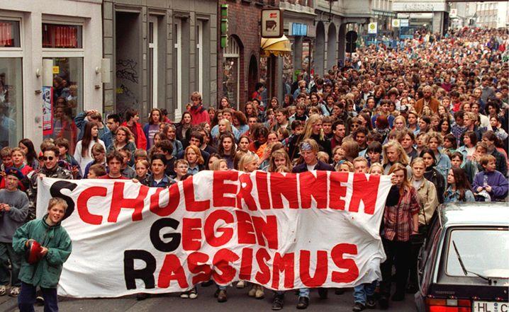 Demo gegen den Synagogen-Anschlag