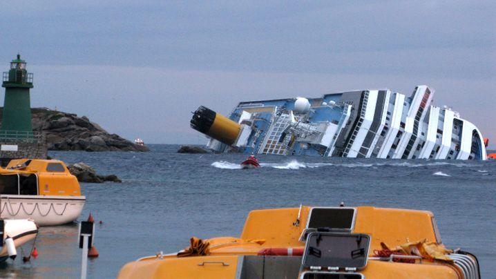 """Unglück der """"Costa Concordia"""": Kapitän in der Bredouille"""