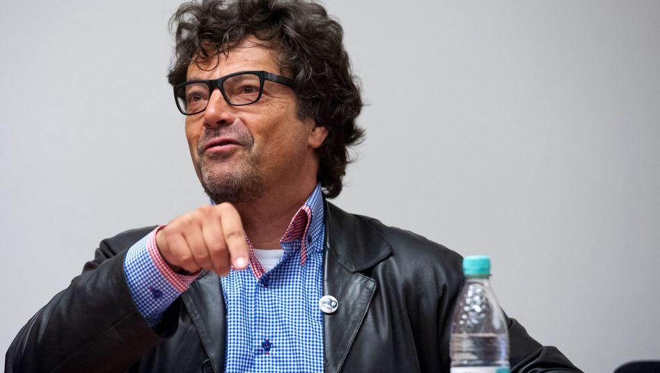 Linken-Politiker Dehm: Zu 15 Tagessätzen von jeweils 150 Euro verurteilt