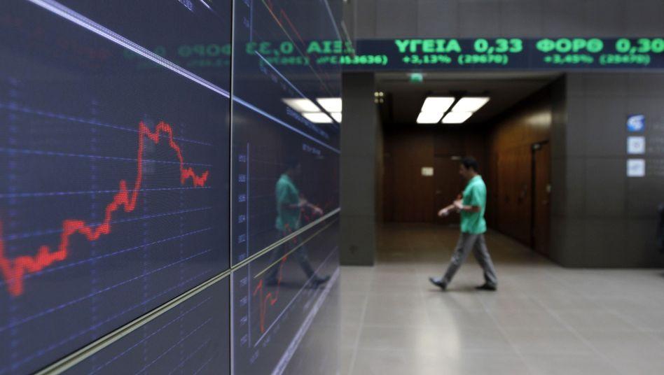 Börse in Athen: Die Regierung spart und spart, trotzdem wächst der Schuldenberg
