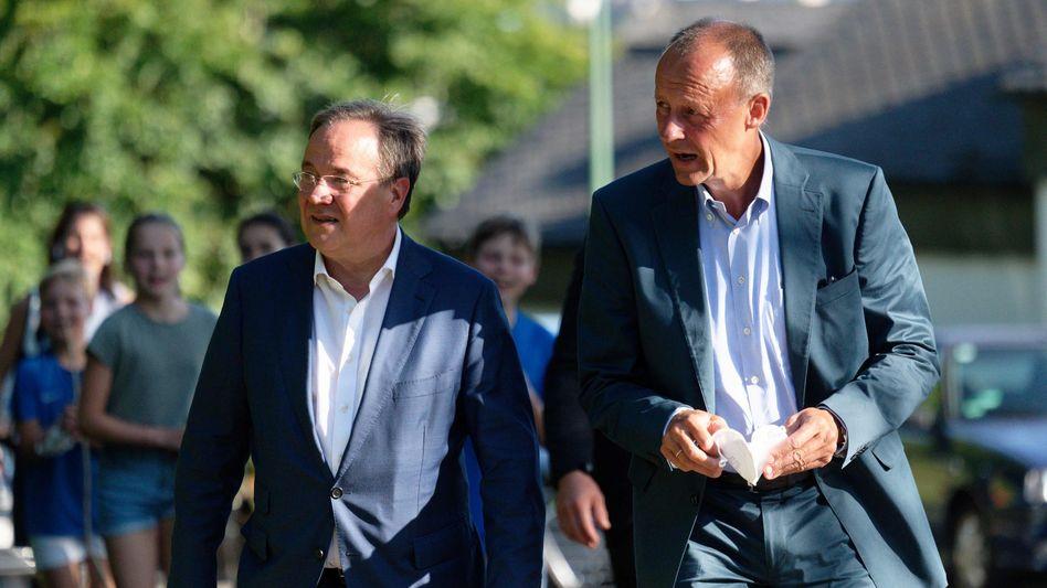 Einst waren sie Rivalen um den CDU-Vorsitz: Armin Laschet (l.) und Friedrich Merz