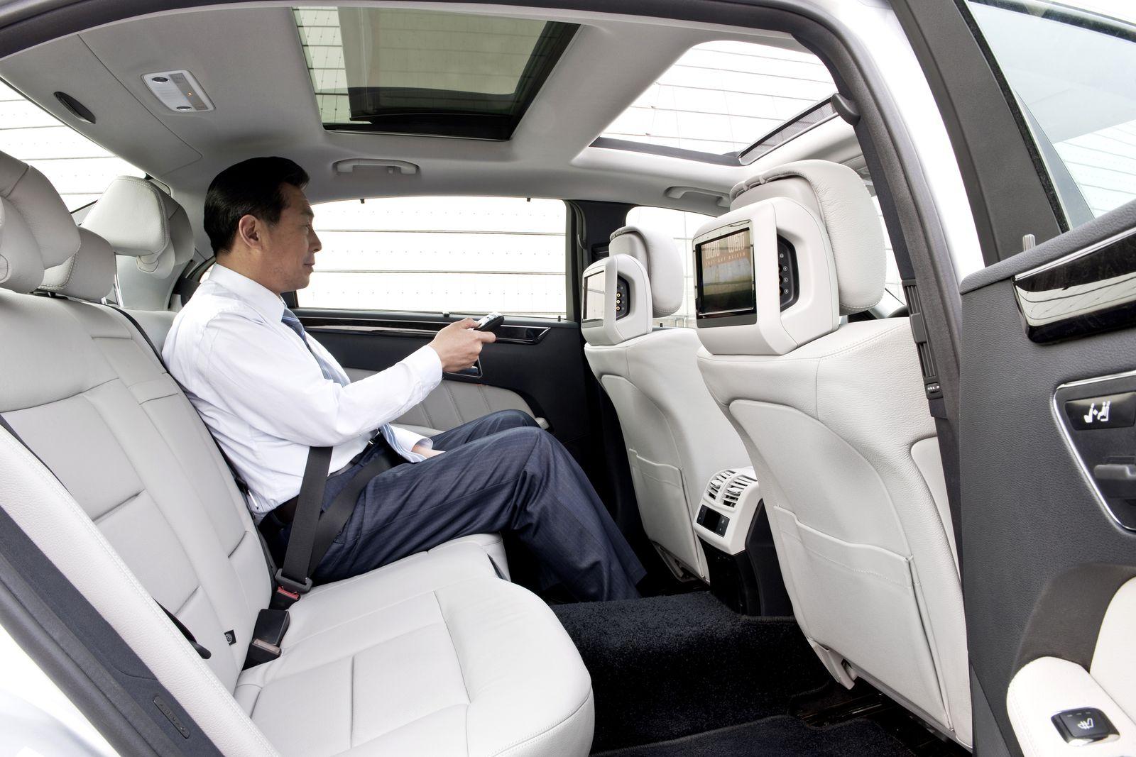 Deutscher Luxus in China / Mercedes E-Klasse lang