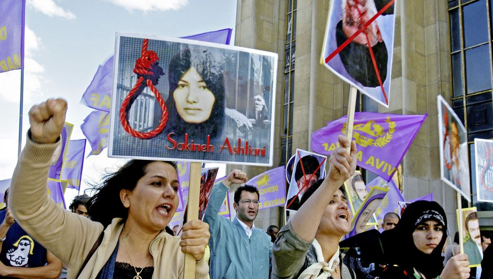 Photo Gallery: Iran's Lack of Press Freedom