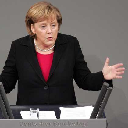 Bundeskanzlerin Merkel im Bundestag: Koalition beim Bürger schlecht angesehen