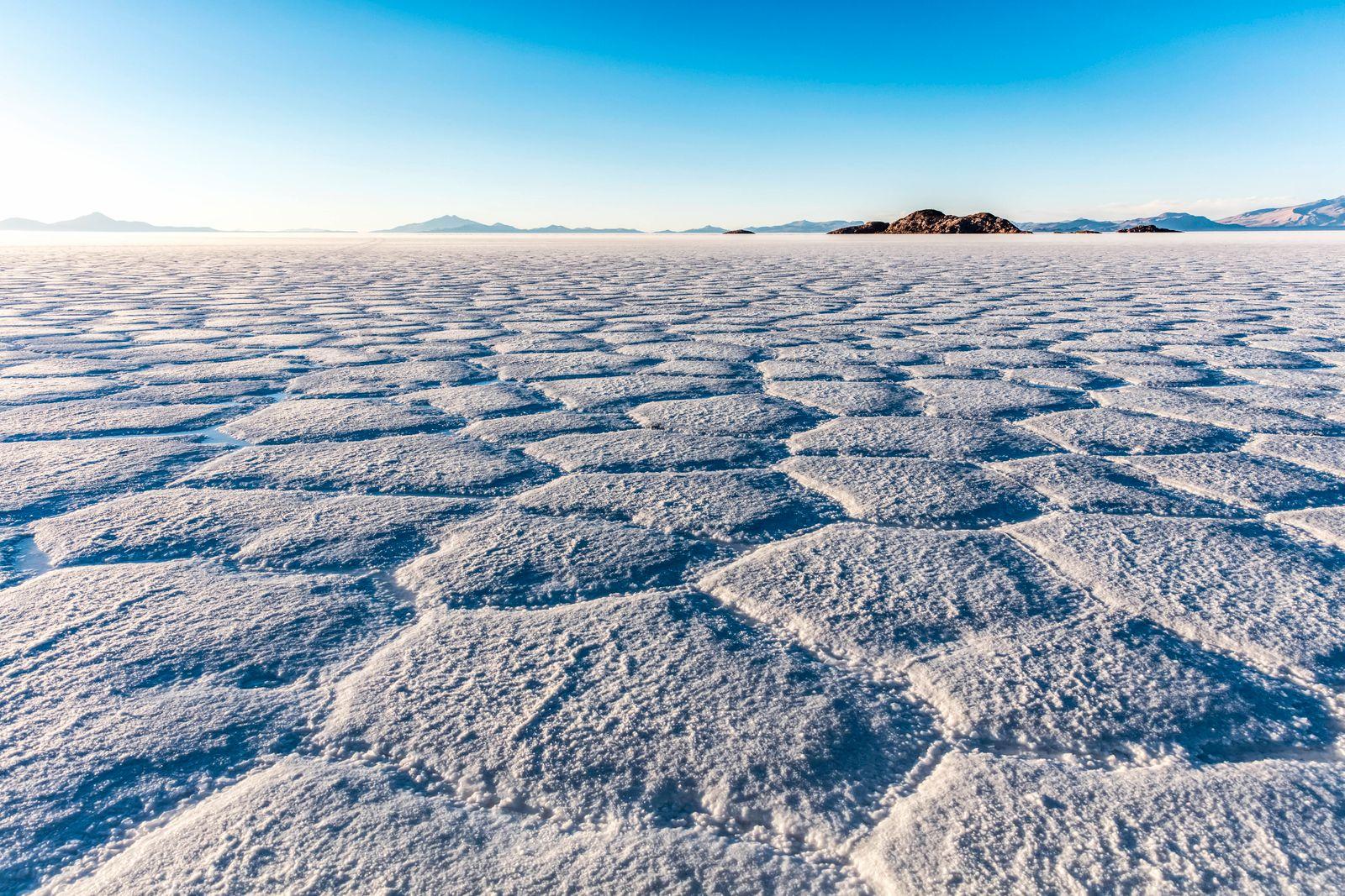 Landscape in the Salar de Uyuni; Potosi, Bolivia PUBLICATIONxINxGERxSUIxAUTxONLY Copyright: O NeilxCastro 12988001
