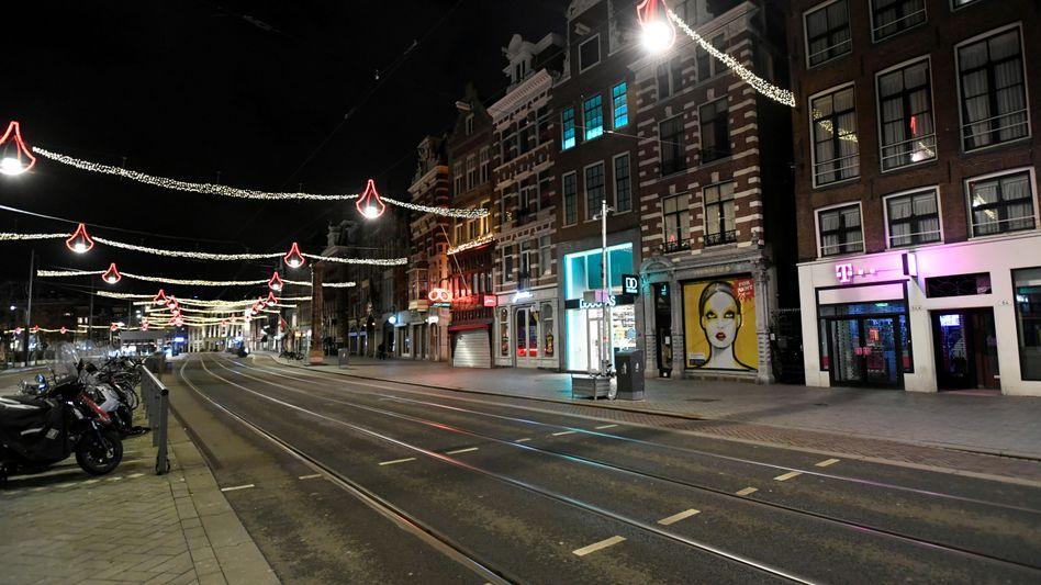 Ausgangssperre in Amsterdam: Die harte Maßnahme gilt nun doch vorerst weiter