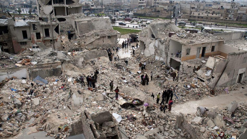 Aleppo im Februar: Scud-Raketen des Regimes zerstörten den Vorort Khan al-Assal