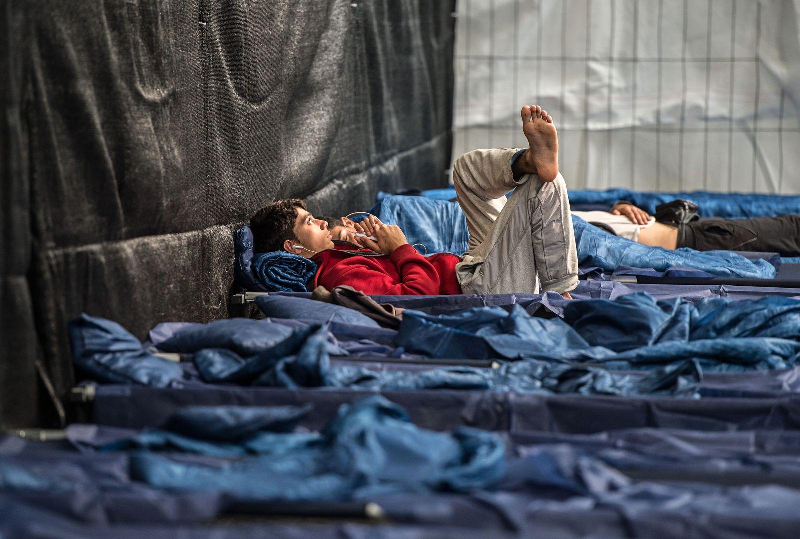 Flüchtlingen / Notunterkunft