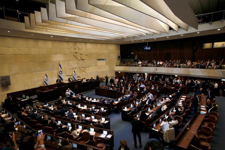 Blick in die Knesset: Die Auflösung wurde mit 74:45 Stimmen beschlossen