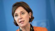 Ministerin will Schulen nach Osterferien schrittweise öffnen