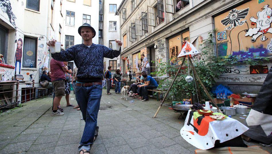 """Protestaktion im Hamburger Gängeviertel: """"Künstlern Häuser anbieten"""""""