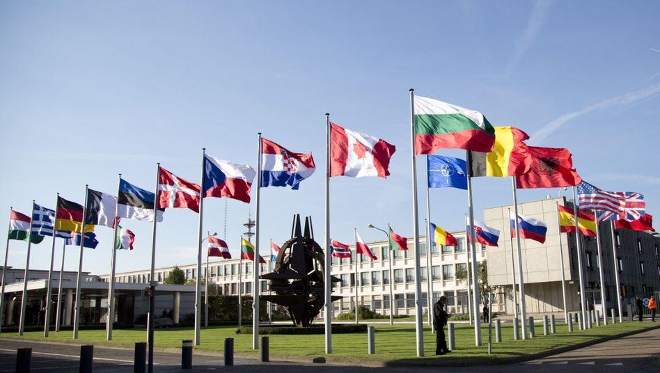 Nato-Hauptquartier in Brüssel: Die USA bitten das Militärbündnis um Hilfe im Kampf gegen den IS