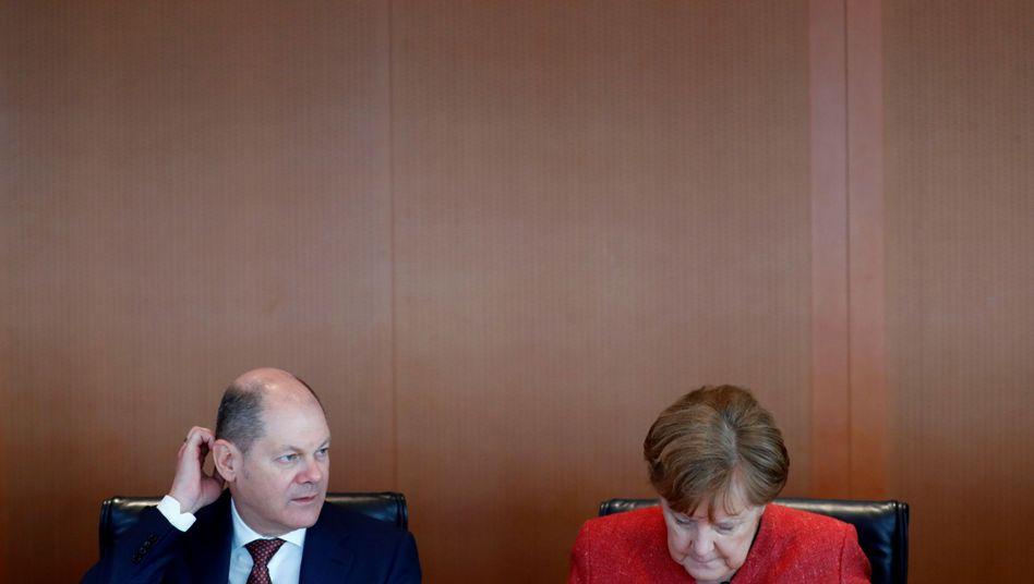 """Vize Scholz, Kanzlerin Merkel: """"Nicht leichtfertig eine Regierung beenden"""""""