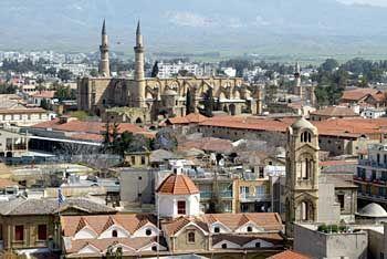 Zyprische Stadt Nikosia: Wo Zyprer und Zypressen in Eintracht beieinander stehen