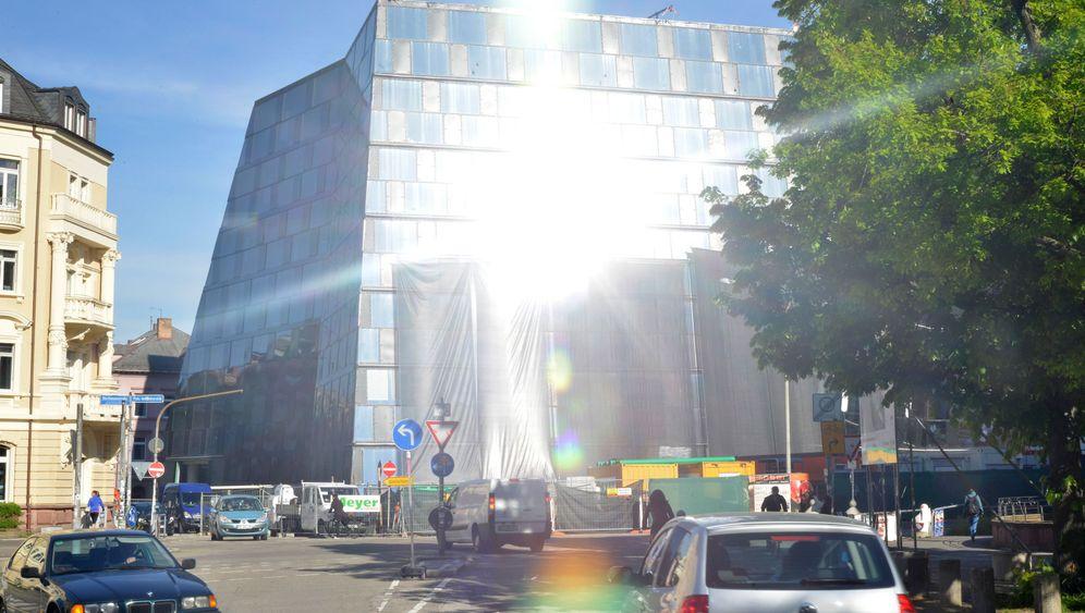 Uni-Bibliothek Freiburg: Guck mal, was da leuchtet