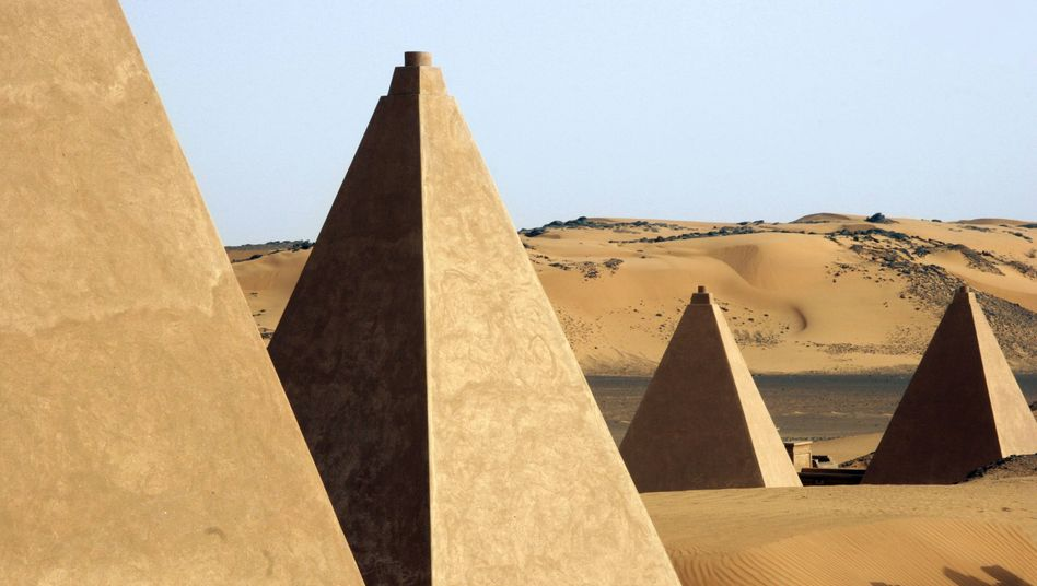 Pyramiden von Meroe in der Wüste Sudans