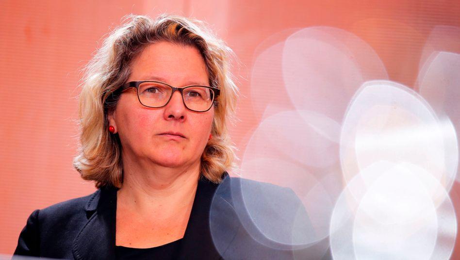 """Svenja Schulze: """"Gegen eine einfache Neuauflage der Abwrackprämie"""""""