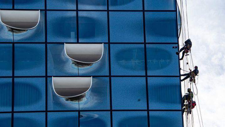 Fensterputzer bei der Elbphilharmonie: Krasser Job, bester Blick