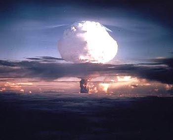 """Explosion einer Atombombe: """"Die richtige Politik für die Welt nach dem kalten Krieg"""""""