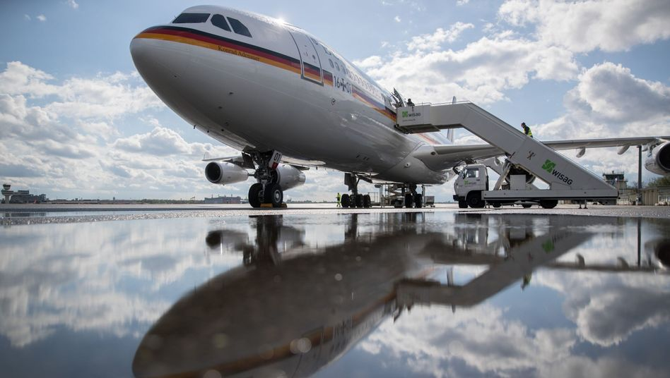 "Airbus A340 der Luftwaffe ""Konrad Adenauer"""