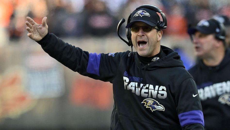 John Harbaugh, Headcoach der Baltimore Ravens, vertraut Datenanalyst Daniel Stern