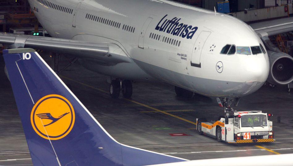 Lufthansa-Flugzeuge (Archivbild): Warnung durch das Bundesluftfahrtamt