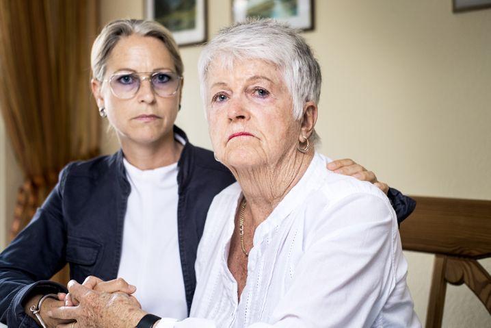 Christiane Otto mit ihrer Mutter Ulrike