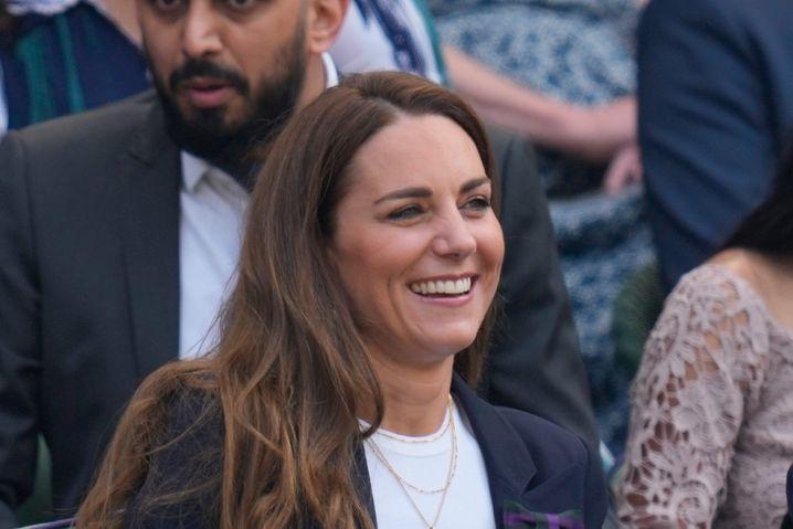 Herzogin Kate auf der Tribüne während des Tennisturniers in Wimbledon
